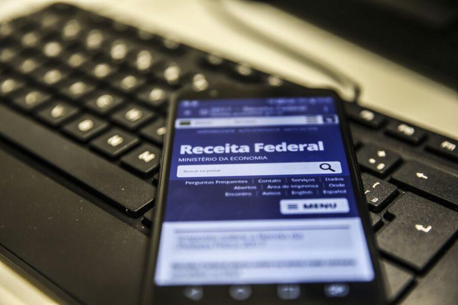 Auxílio emergencial: Beneficiário pode ter que declarar o valor no Imposto de Renda