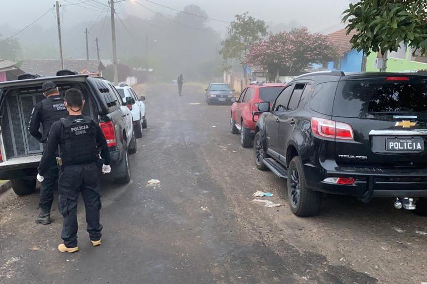 Polícia faz operação para prender suspeitos de roubos de carros em Curitiba e RMC