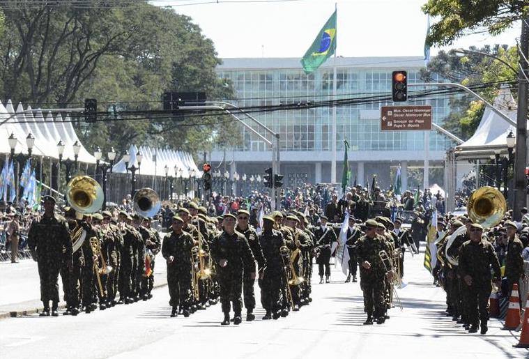 Ruas de Curitiba serão bloqueadas para desfile de 7 de Setembro