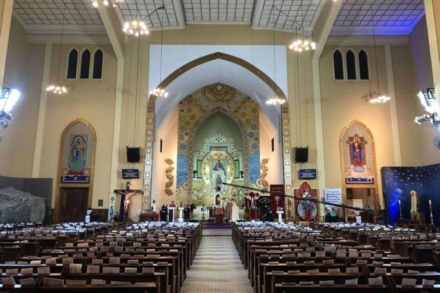 Igrejas e templos religiosos podem voltar a funcionar em Curitiba, mas com regras rígidas
