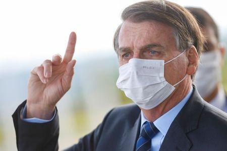 Autogolpe de Bolsonaro ainda é no gogó