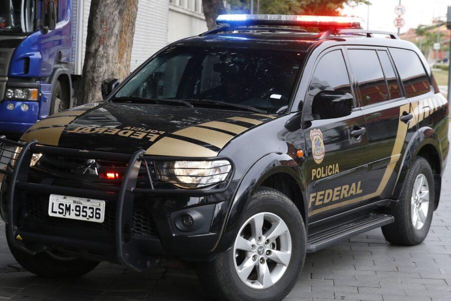 Polícia Federal cumpre 623 mandados contra a facção PCC