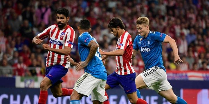 Atlético de Madrid marca no fim e arranca empate com a Juventus em casa