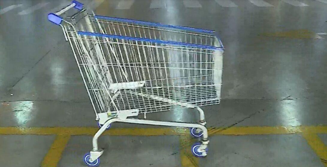 Mistério em Araucária, carrinho de mercado se move sozinho e assusta clientes; assista ao vídeo