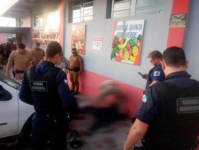 Policial reage a assalto e atira em bandidos que roubavam mercado em Araucária
