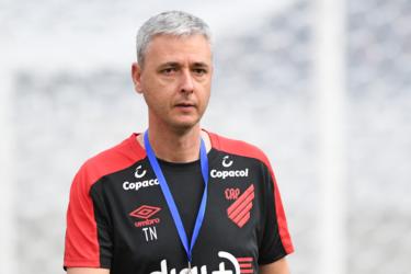 Tiago Nunes não comandará mais o Athletico em 2019