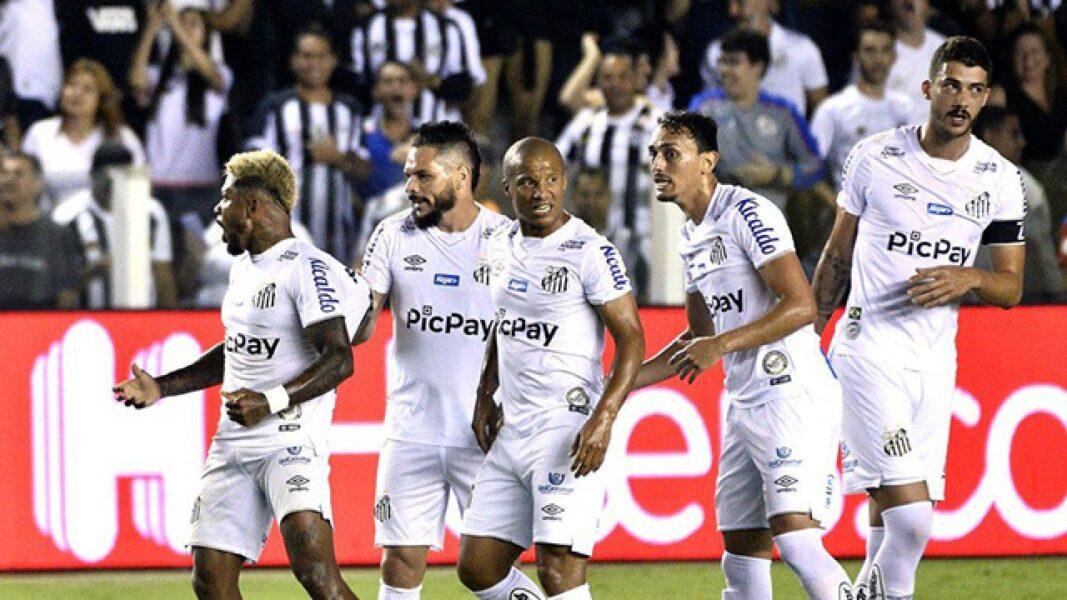 "Santos ""namora"" empresa para o máster; presidente vê patrocínio ""na cara do gol"""