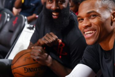 Show de Harden e Westbrook garante vitoria dos Rockets; Doncic alcança marca de Jordan