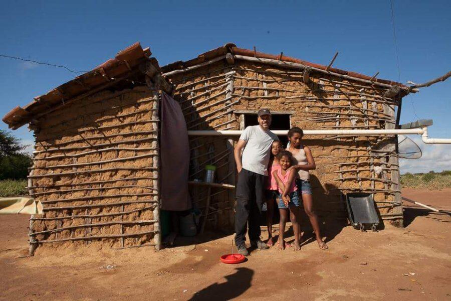 OMUNGA Clube propõe novo jeito de financiar a educação em áreas pobres