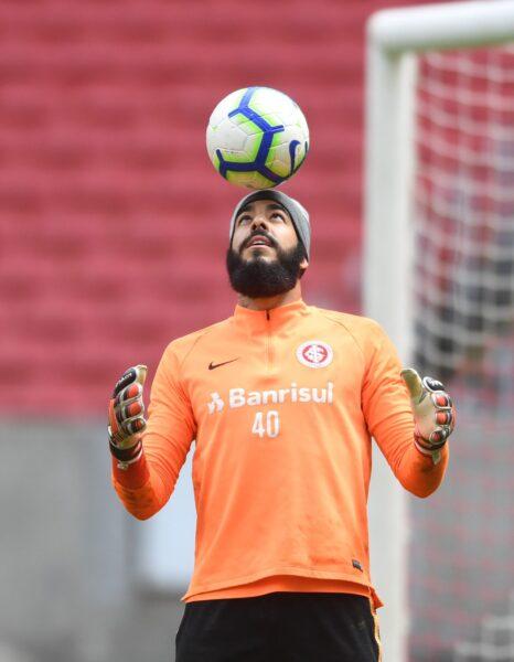 Danilo Fernandes está próximo de renovar contrato com o Internacional