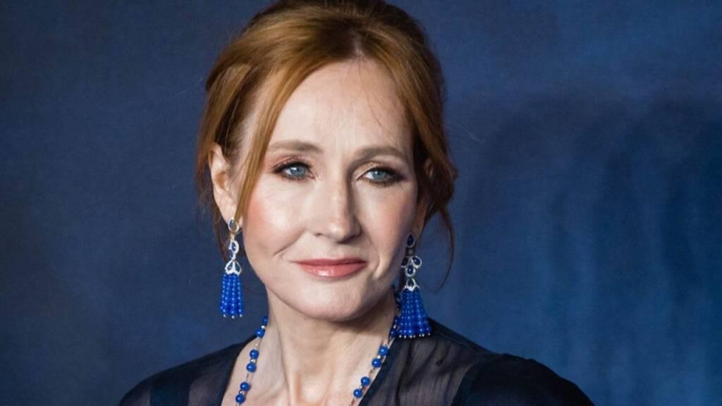 J.K. Rowling apaga elogio a Stephen King após autor apoiar direitos trans