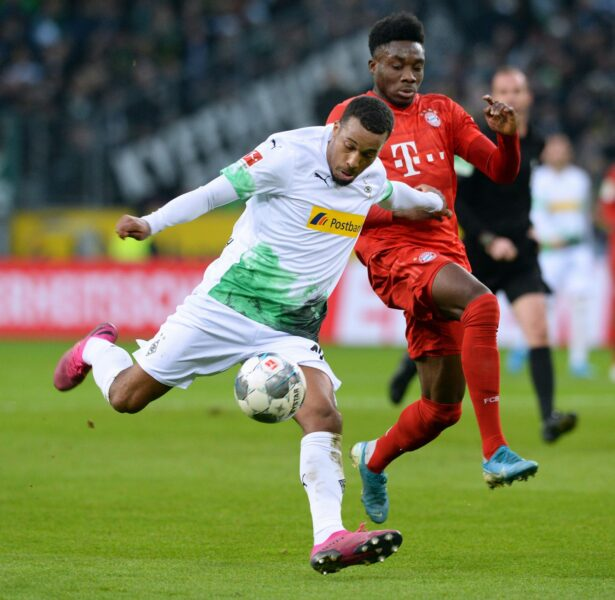 Mönchengladbach vence Bayern no fim e mantém a liderança do Alemão