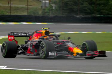 Sem Hamilton, Albon faz melhor tempo no 1º treino livre do GP do Brasil