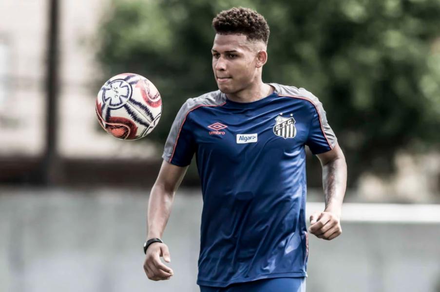 Fluminense fica perto de anunciar Felippe Cardoso, atacante do Santos