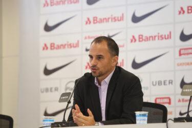Em busca de novo diretor, Palmeiras fica entre Caetano e Cerri