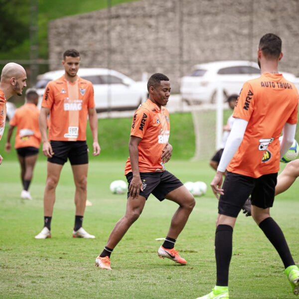 Mesmo com mudanças e vaga na Sul-Americana, Mancini quer seriedade no Atlético-MG