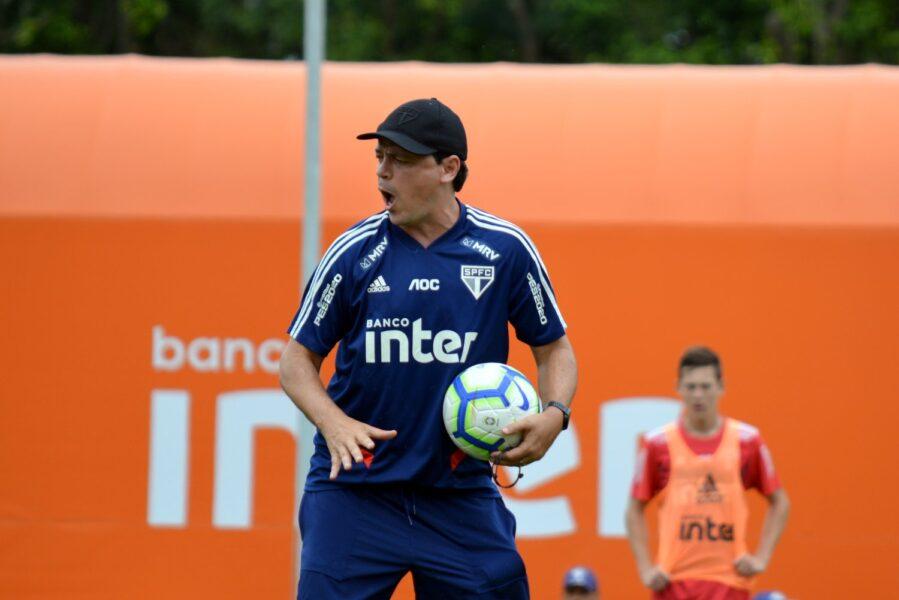Com garotos em campo, São Paulo treina antes de enfrentar o CSA