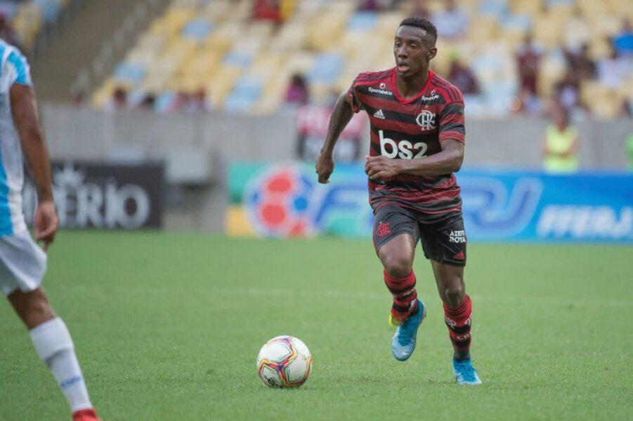 Flamengo não aceita proposta por meia