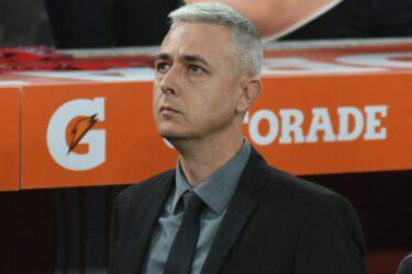 Athletico-PR dispara contra Corinthians e Tiago Nunes em nota oficial