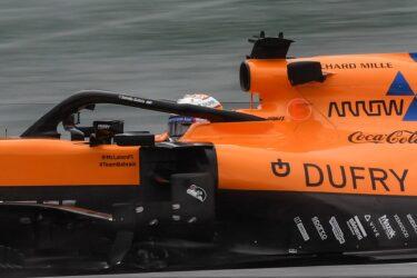 Hamilton é punido e Sainz herda terceiro lugar no GP do Brasil
