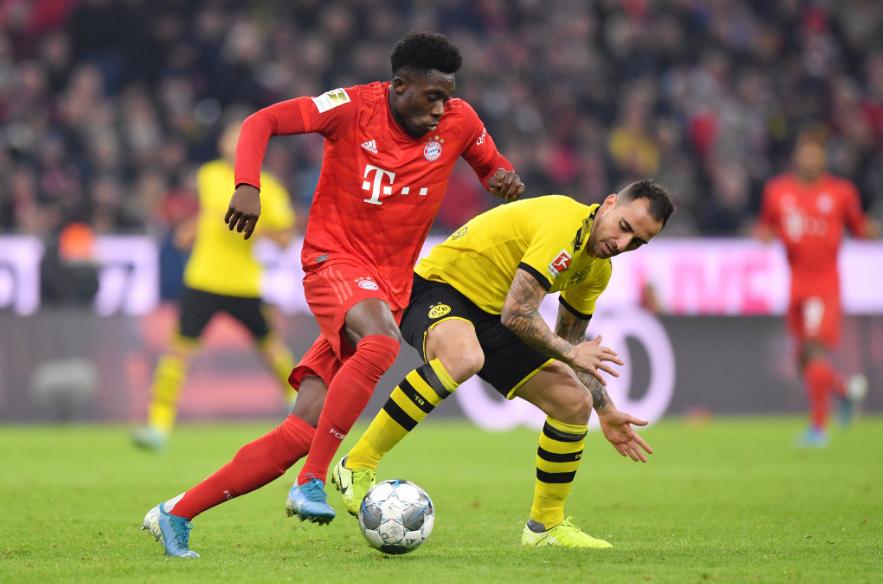 Alphonso Davies, do Bayern de Munique, é eleito o novato do ano no Campeonato Alemão