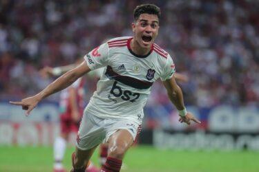 Ajax pode desembolsar grande quantia para contar com Reinier, do Flamengo
