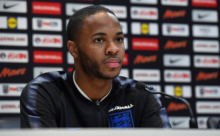 Afastado da seleção inglesa, Sterling se pronuncia sobre confusão com Gomez