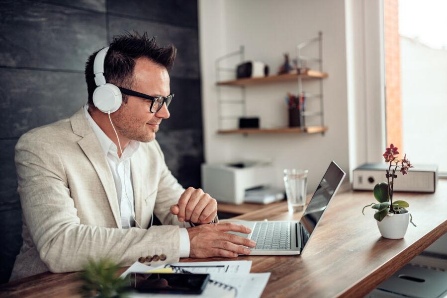 Universidade lança curso online para gestores financeiros enfrentarem 'novo normal'