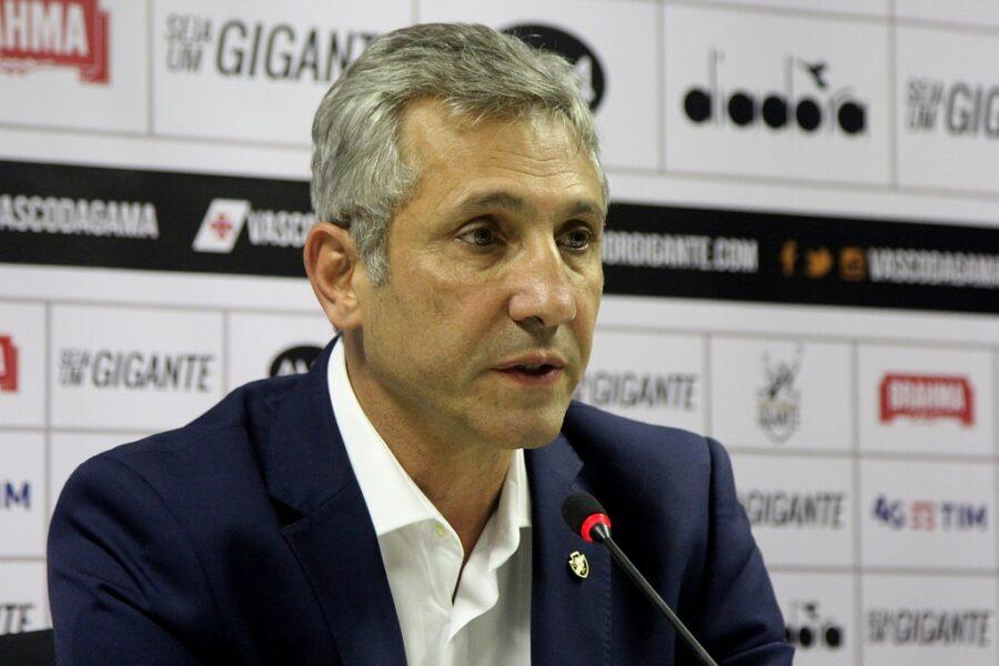 Campello espera melhora nas finanças do Vasco a partir de abril
