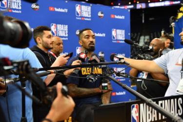 Lakers deve contratar JR Smith para substituir Avery Bradley no retorno da NBA