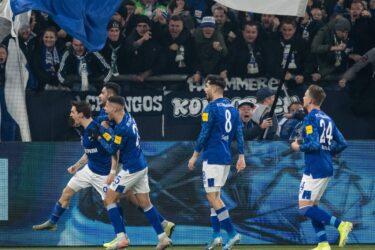 Schalke vence Union Berlin e assume vice-liderança provisória do Alemão