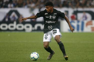 Rhuan se destaca e vira opção para o Botafogo na reta final do Brasileiro