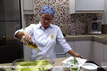 Aprenda a fazer batata rústica com molho mexicano