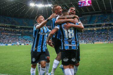 Grêmio atropela São Paulo e garante vaga na fase de grupos da Liberta