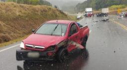 Acidente com seis veículos deixa três mortos na BR-277, em Teixeira Soares