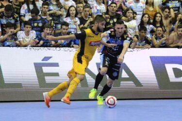 Pato sai na frente do Sorocaba na decisão da Liga Futsal