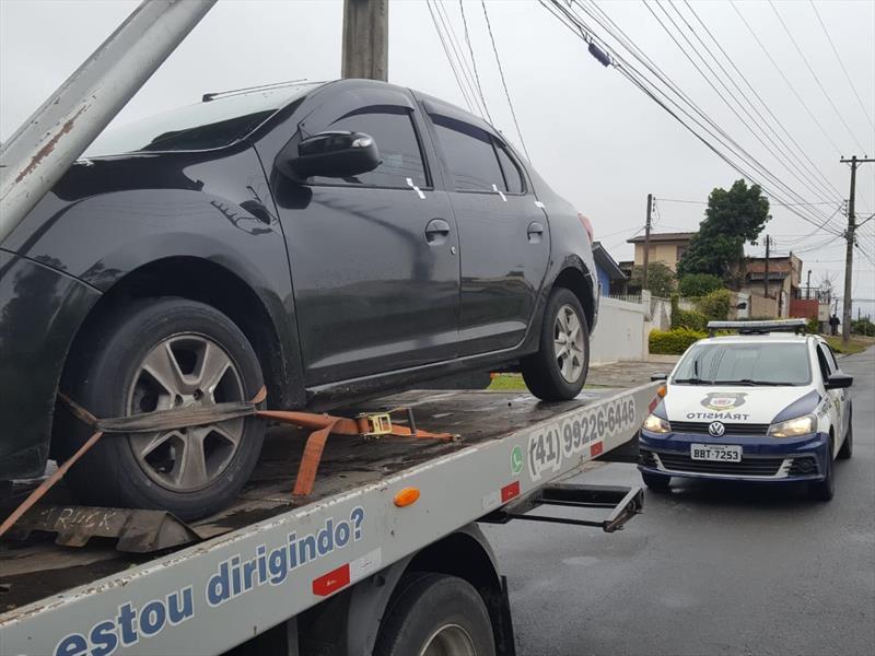 Motorista sem CNH é flagrado em transporte irregular de passageiros