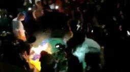 Estudante de 24 anos é um dos suspeitos de rasgar bandeira nacional em Curitiba