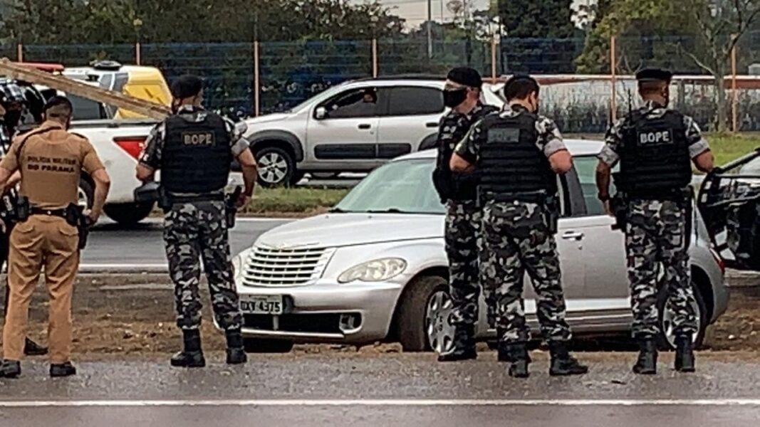 Bandido com carro roubado morre em confronto com o Bope no Contorno Sul