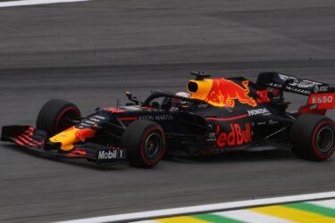 Verstappen, Vettel e Leclerc duelam pelo terceiro posto no Brasil