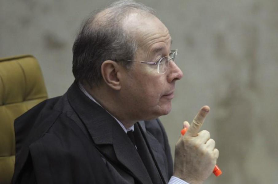 Celso de Mello arquiva pedido de apreensão de celular de Bolsonaro, mas faz alerta a presidente