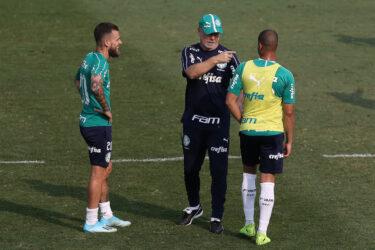 Gestão Mano fará 15º jogo sem repetir formação no Palmeiras