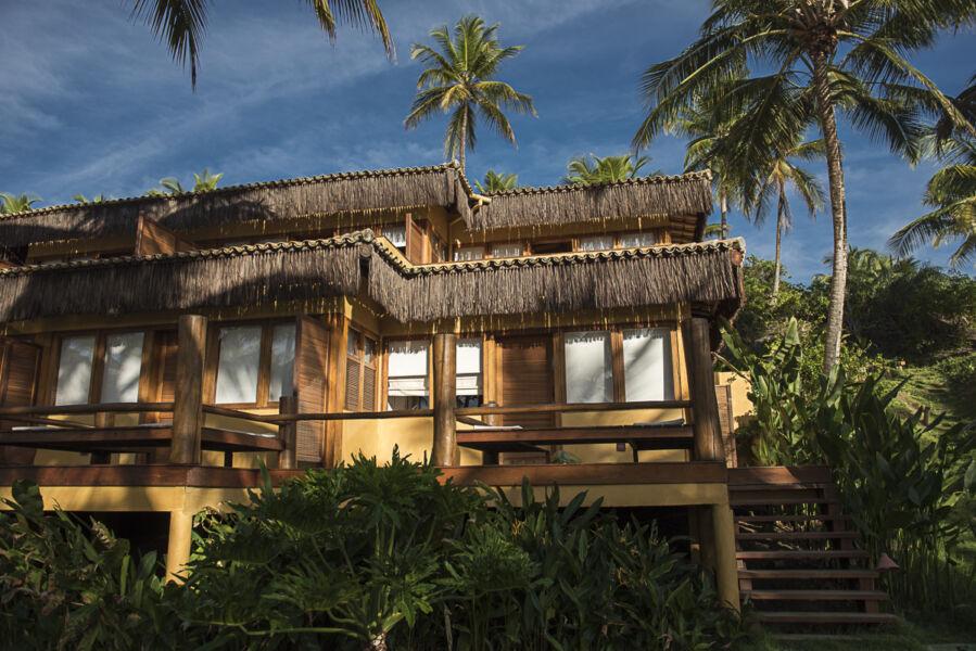 Resort baiano doa oito toneladas de alimentos não-perecíveis para moradores da região
