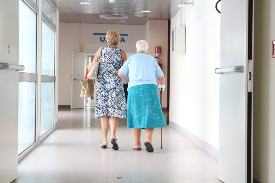 Funcionários e idosos de casa lar de Curitiba estão com coronavírus