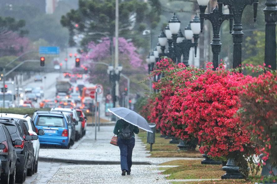 Estiagem no Paraná: maio teve chuvas, porém Curitiba e Litoral seguem em situação preocupante