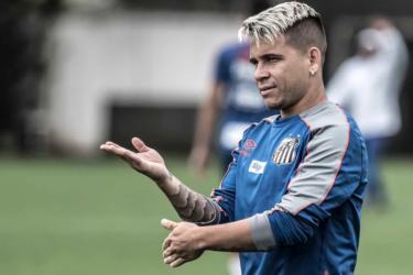 Sampaoli cobra, e Santos conta com Soteldo mais finalizador no Brasileirão