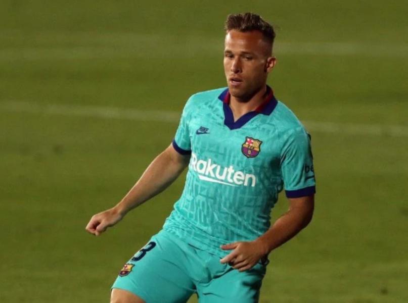 """Arthur comemora transferência para Juventus, mas reforça foco no Barça """"até o final"""""""
