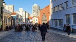 Associação de bares convoca protesto e prefeitura de Curitiba repudia ato