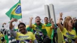 DEM expulsa líder de grupo de inspiração militar que apoia Bolsonaro