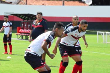 Atlético-GO recebe o Londrina para quebrar sequência ruim na Série B